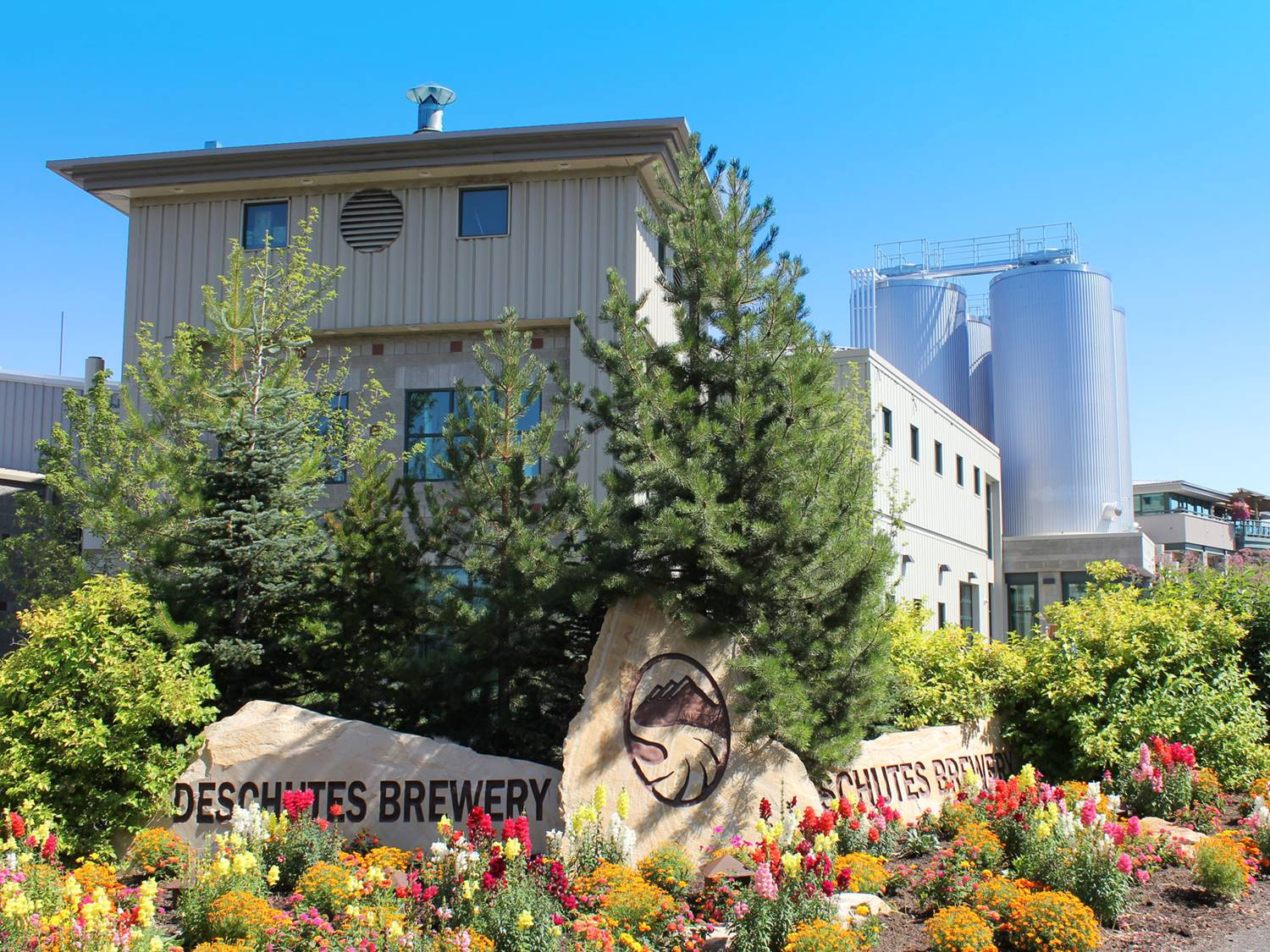 Image Credit: Deschutes Brewery-Production Facility by U.S. Department of Agriculture via Flickr (CC BY 2.0)