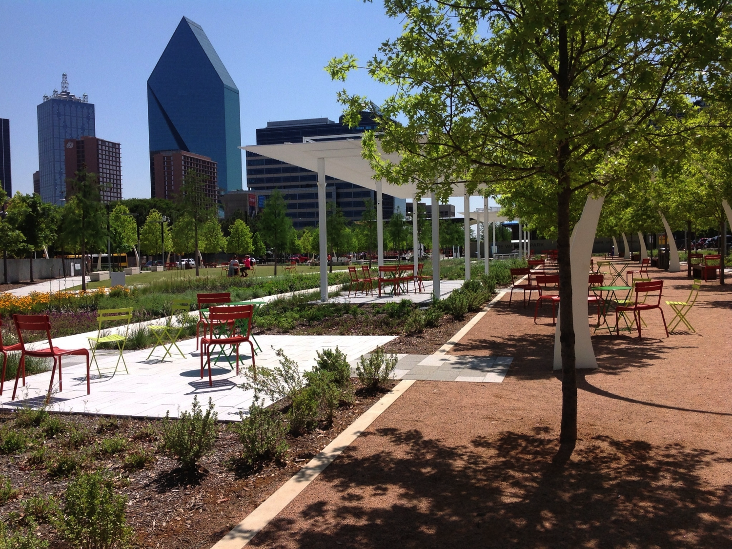 Sunny Day at Klyde Warren Park by Kevin 1086 via Wikimedia Commons (CC BY-SA 3.0)