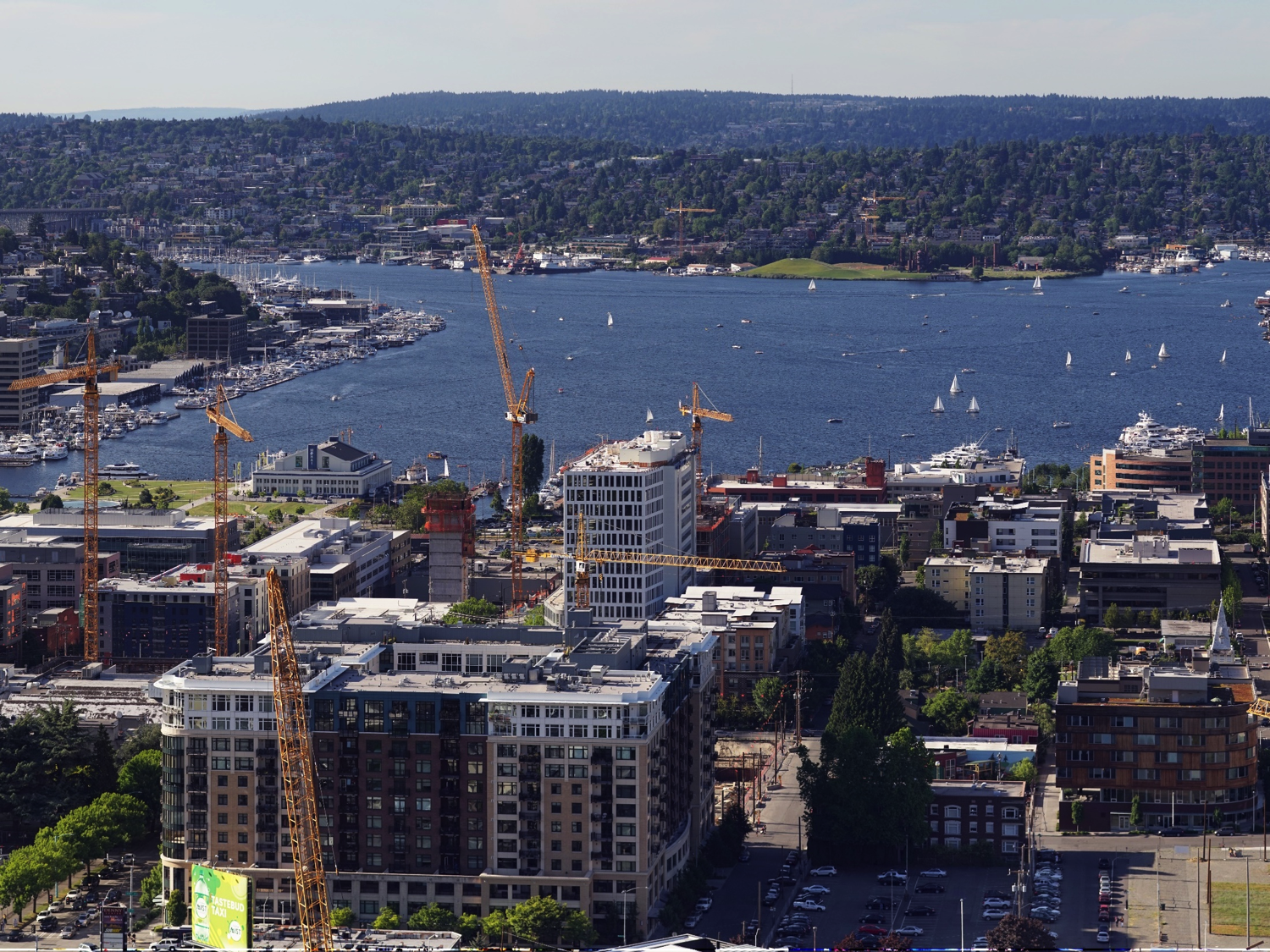 Panorama of South Lake Union by Dllu via Wikimedia Commons via Flickr (CC BY-SA 4.0)
